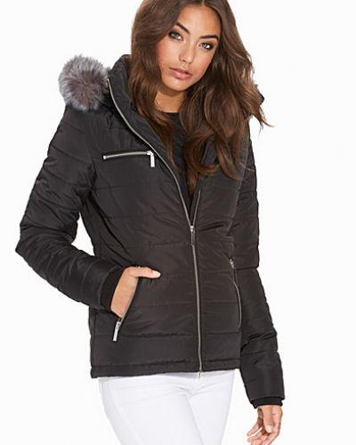 Till dam från NLY Trend, en svart övriga jacka.