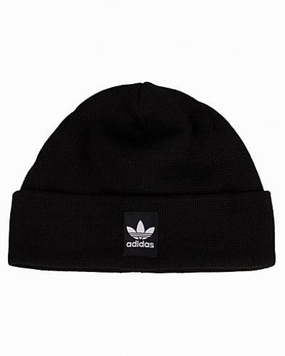 Mössa från Adidas Originals till dam.