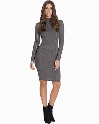 Långärmad klänning Rib Midi Dress från Miss Selfridge