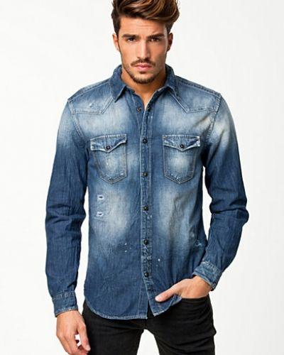 jeans och jeansskjorta