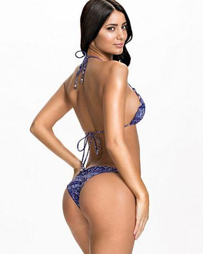Ruffle Brazilian Panty NLY Beach bikini till tjejer.