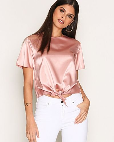Satin Knot Top NLY Trend t-shirts till dam.