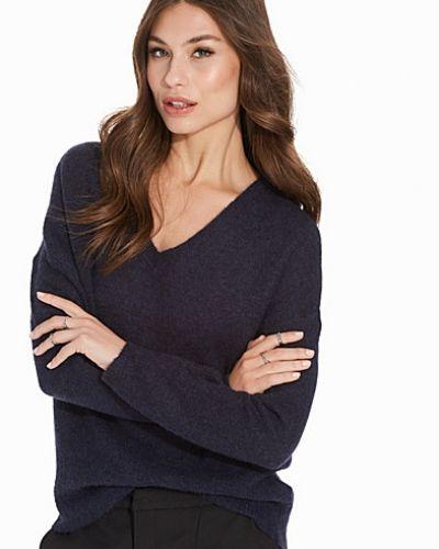 Blå stickade tröja från Selected Femme till dam.