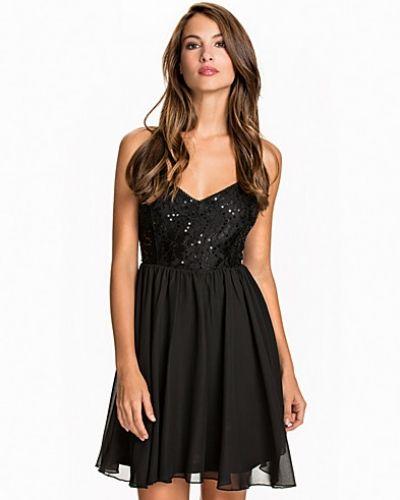 Klänning Shimmery Flare Dress från NLY One