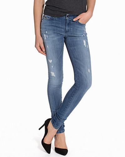 Slim fit jeans från Diesel till dam.
