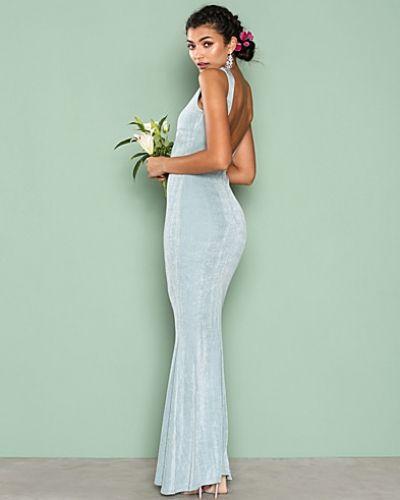 Till dam från Nly Eve, en grön ärmlösa klänning.