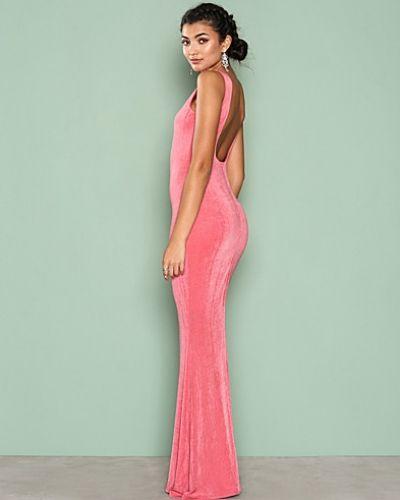 Sleeveless Gown Nly Eve ärmlösa klänning till dam.