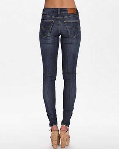 Slight W56988002 222 Tiger of Sweden Jeans slim fit jeans till dam.