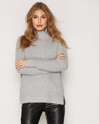 Soft Rib Knit Sweater NLY Trend polotröja till dam.