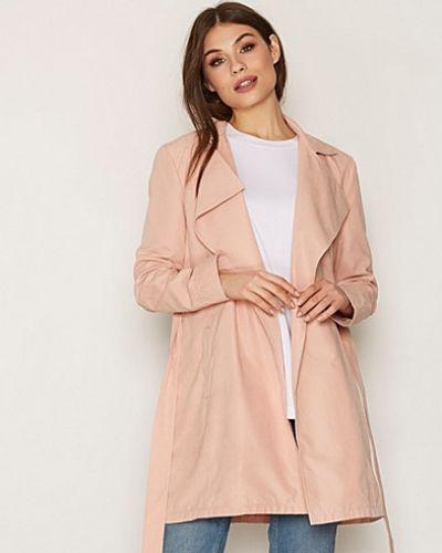 Till dam från NLY Trend, en rosa kappa.