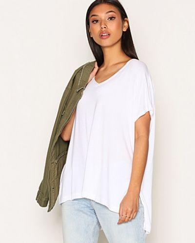 Till dam från Topshop, en vit t-shirts.