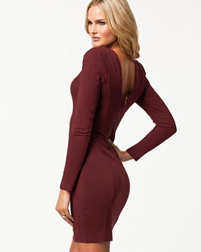 Square Neck L/S Bodycon Dress Ax Paris långärmad klänning till dam.