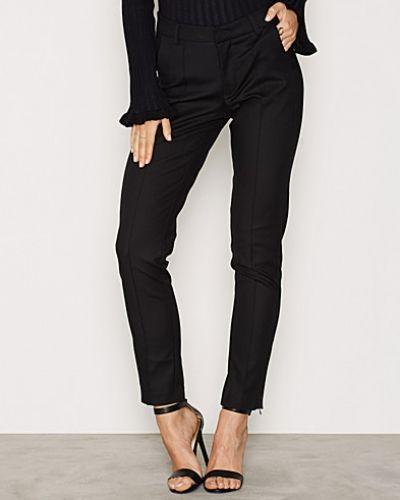 Byxa Suit Me Pants från NLY Trend