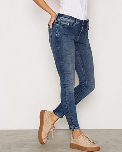 Slim fit jeans från Calvin Klein Jeans till dam.