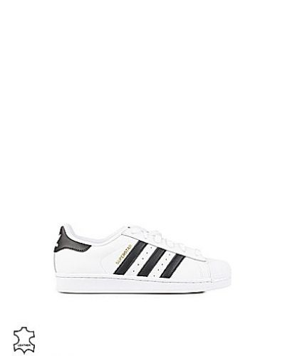 Superstar Adidas Originals sneakers till dam.