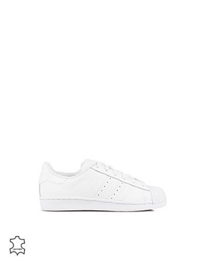 Superstar Foundation Adidas Originals sneakers till dam.