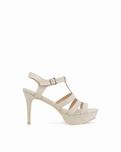 Högklackade T-bar Platform Sandal från Nly Shoes