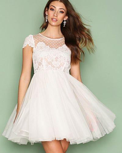 ida sjöstedt vit klänning