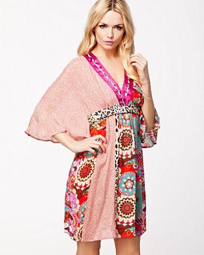 74826ea41524 Malva Dress Nolita klänning till dam.