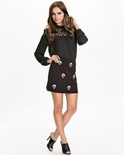 Textured Embellished Mini Skirt Miss Selfridge minikjol till kvinna.