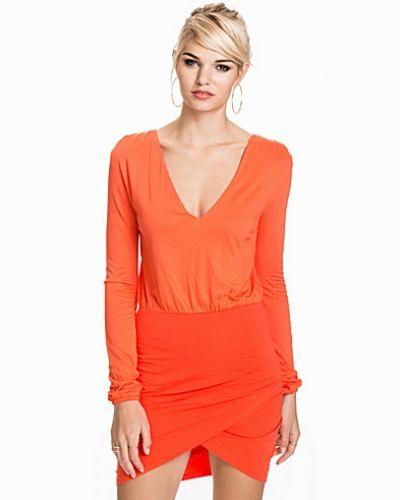 Långärmad klänning The Top Dress från NLY Trend