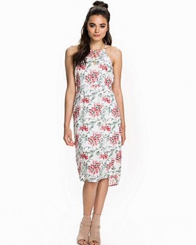 Tiane Dress Minimum studentklänning till tjejer.