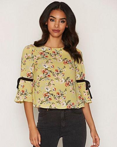 Oversize-tröja Tie Sleeve T-Shirt från Miss Selfridge