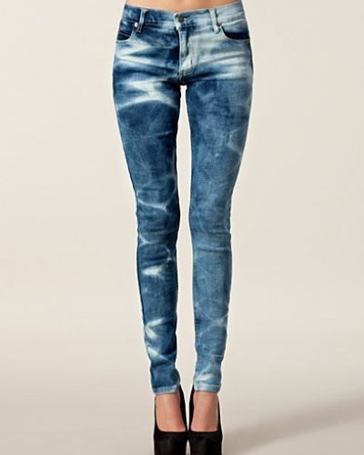 Tight Bonjour Flame Cheap Monday slim fit jeans till dam.