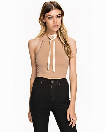 Till dam från NLY Trend, en beige linnen.