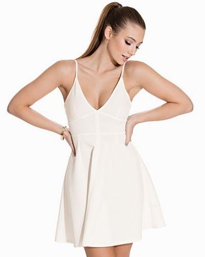 Triangle Scuba Dress NLY One klänning till dam.