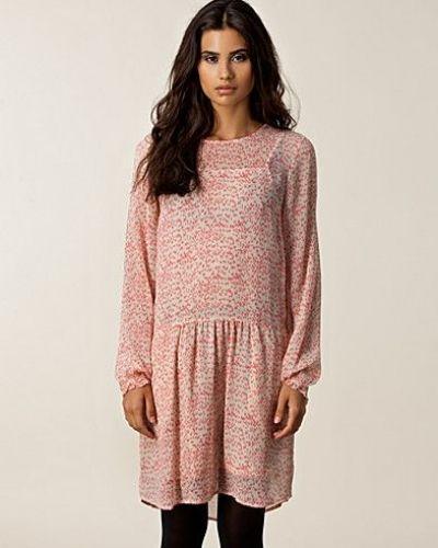 Trille Dress Custommade klänning till dam.