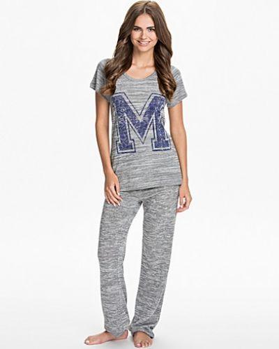 Till dam från Vero Moda, en grå pyjamas.
