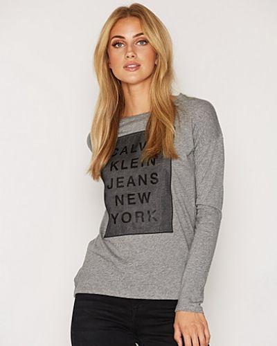Trix CN Straight Fit Tee Calvin Klein Jeans t-shirts till dam.