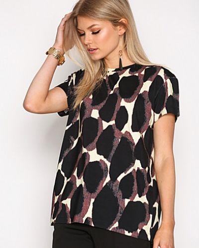 T-shirts Uneks T-Shirt från By Malene Birger