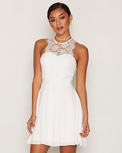 Klänning Upper Lace Flowy Dress från NLY One
