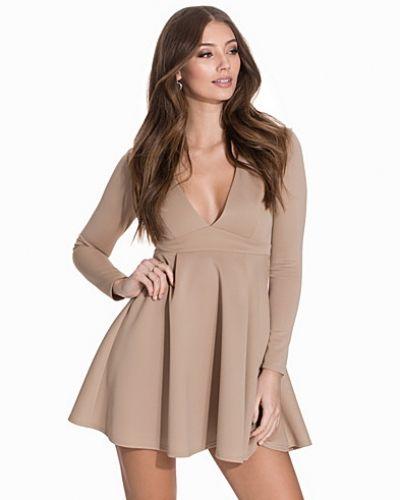 Klänning V-Neck Scuba Dress från NLY One
