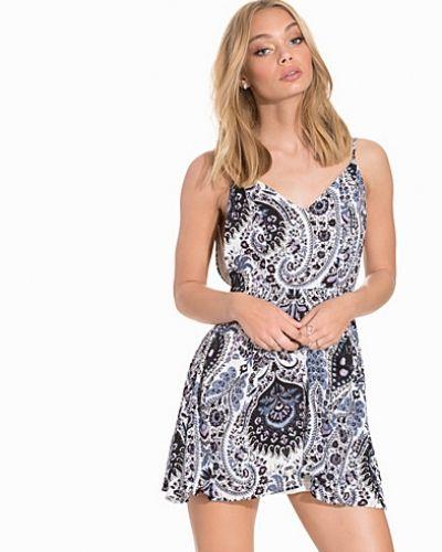 Glamorous V-Neck Strappy Skater Dress
