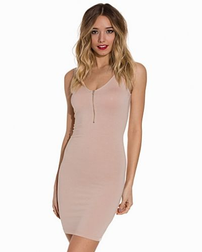 Klänning V Zipped Dress från NLY Trend