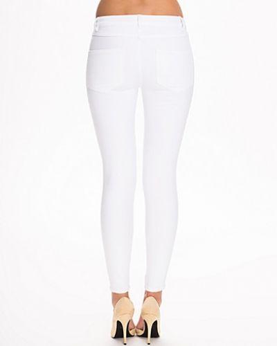 Vit slim fit jeans från VILA till dam.