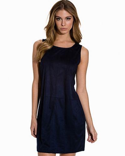 VILA klänning till dam.