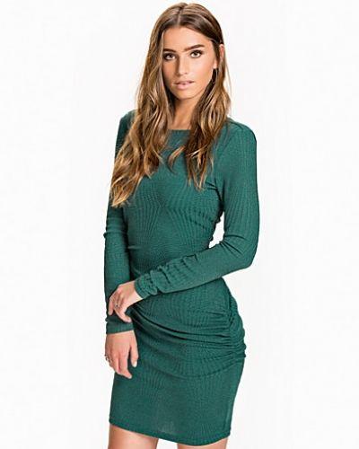 VIRITA DRESS VILA långärmad klänning till dam.