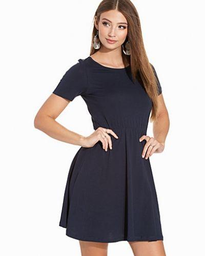Vero Moda miniklänning till dam.