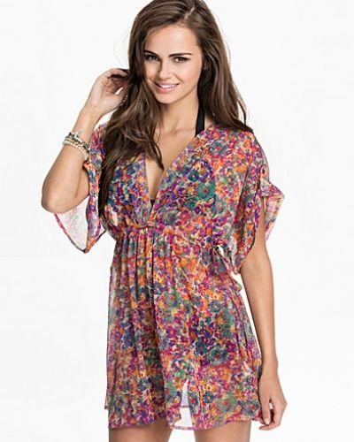 Strandklänning från Vero Moda till tjejer.