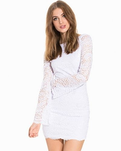 Studentklänning VMCELEB WL FLARE MINI LACE DRESS från Vero Moda