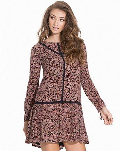 VMFAUNA L/S SHORT DRESS WP2 Vero Moda långärmad klänning till dam.