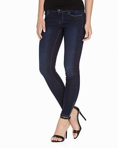 Slim fit jeans VMFIVE LW SS ANKLE JEANS AM053 NOOS från Vero Moda