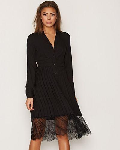 Svart långärmad klänning från Vero Moda till dam.
