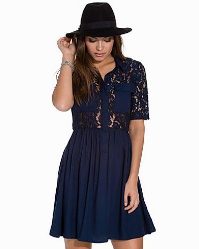 Till dam från Vero Moda, en blå klänning.