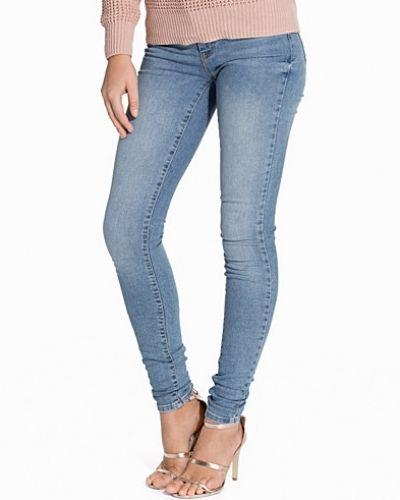 Blå jeans från Vero Moda till dam.