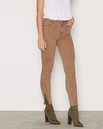 Vero Moda straight leg jeans till dam.